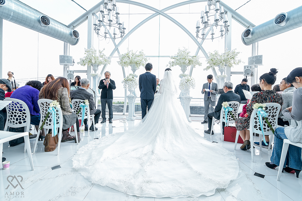 浪漫,西式婚禮,證婚,球愛物語,景觀,婚禮會館,天空教堂,儀式,攝影,伊藤瑞,造型,禮服,AMOR,莫兒禮服,場地,台中球愛物語,台中婚攝,愛情來了,台中婚紗,婚紗禮服