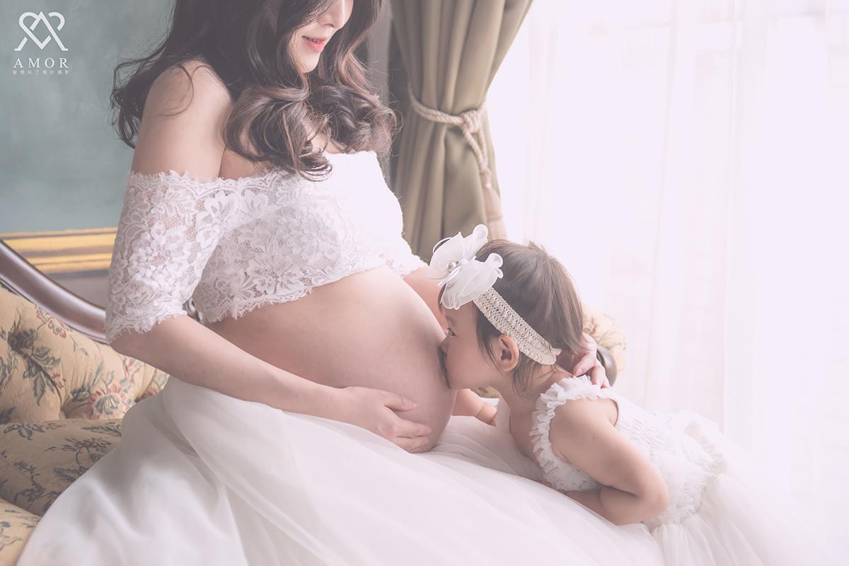 台中孕婦,寫真,期待,來臨,孕寫真,第二胎,留念,大寶,全家福,拍攝,溫馨,活潑,AMOR,愛情來了,攝影,造型,禮服,時尚,孕禮服,拍攝點,攝影棚,台中孕婦照,台中全家福